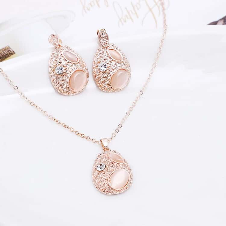 Fashion Beautiful Diamond Shape Droplet Type Necklace Earrings Jewelry Set 3 In 1 For Women